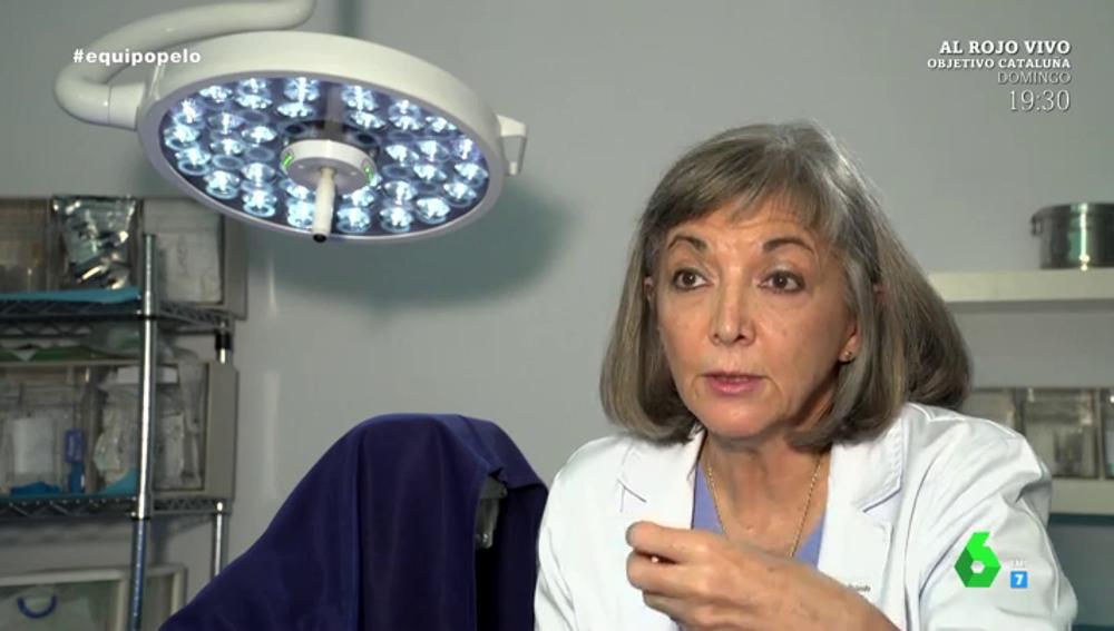 Mónica Rolando, cirujana capilar