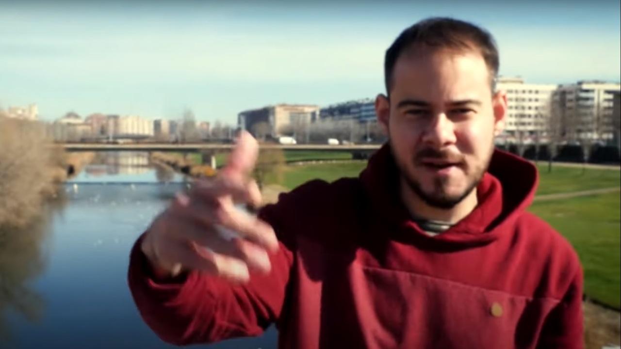 El rapero Pablo Hasel en un videoclip