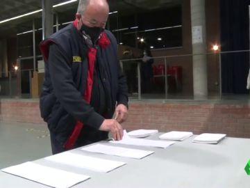 La abstención, el 'mayor rival' de los candidatos a la Generalitat: ¿puede bajar la participación el 14F?