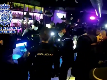Detenidas ocho personas y 90 sancionadas en dos fiesta ilegales en el barrio madrileño de Huertas