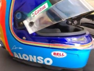 casco de Fernando Alonso en el filming day de Barcelona