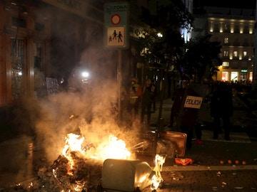 Disturbios cerca de Puerta del Sol tras la protesta tras la manifestación en apoyo a Pablo Hasel