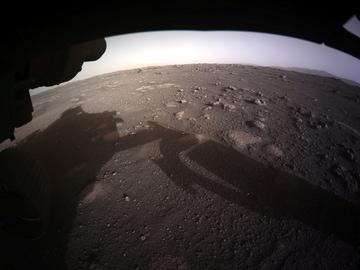 La primera imagen en color y en alta resolución de Marte enviada por Perseverance
