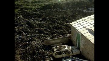 Recuerdo de la tragedia de Bens (A Coruña), cuando 200.000 toneladas de basura sepultaron a un vecino cuyos restos no se hallaron