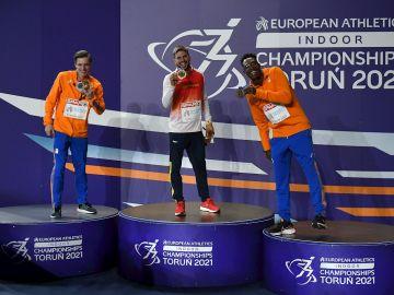 Husillos, en el podio con los dos holandeses