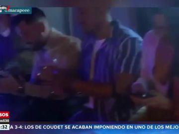 Varios concursantes de 'La Isla de las Tentaciones', pillados en una fiesta sin mascarilla, sin distancia de seguridad y superando el aforo