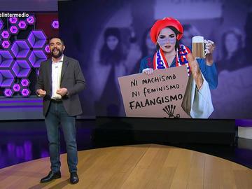 """Dani Mateo 'explica' a las feministas qué hacer para que las dejen manifestarse en Madrid: """"Llevad pancartas reivindicando el falangismo"""""""