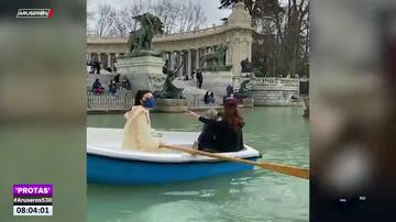 Así fue la 'persecución' de un barco a Pilar Rubio y sus hijos en el lago del Retiro