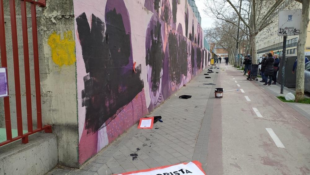 Imagen del mural feminista de Ciudad Lineal, vandalizado este lunes, 8 de Marzo