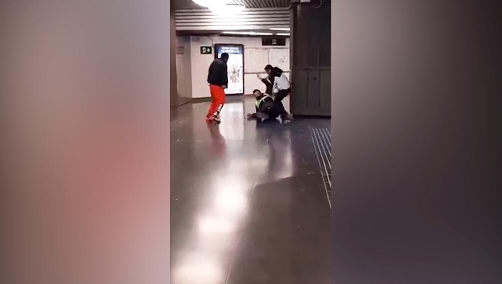 Imagen del momento de la agresión