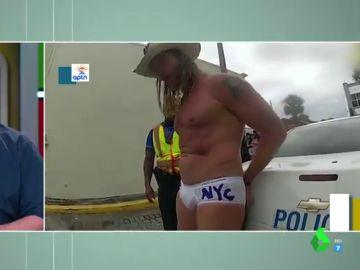 Arrestan al 'Cowboy desnudo' de Times Square por mendigar cuando tocaba su guitarra en Florida