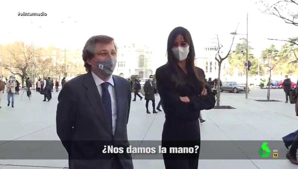 """La divertida reacción de Almeida ante la pregunta de Villacís de darse la mano: así son """"los Romeo y Julieta"""" de Madrid"""
