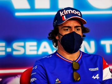 Fernando Alonso, en la rueda de prensa de la FIA