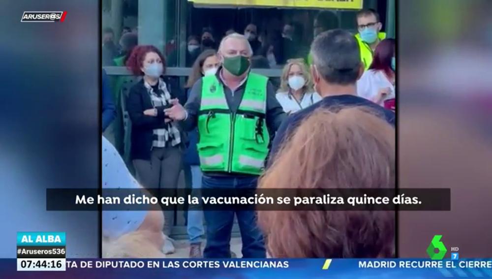 """""""La vacunación con AstraZeneca se paraliza"""": así informaron a los pacientes que esperaban en los centros sanitarios"""