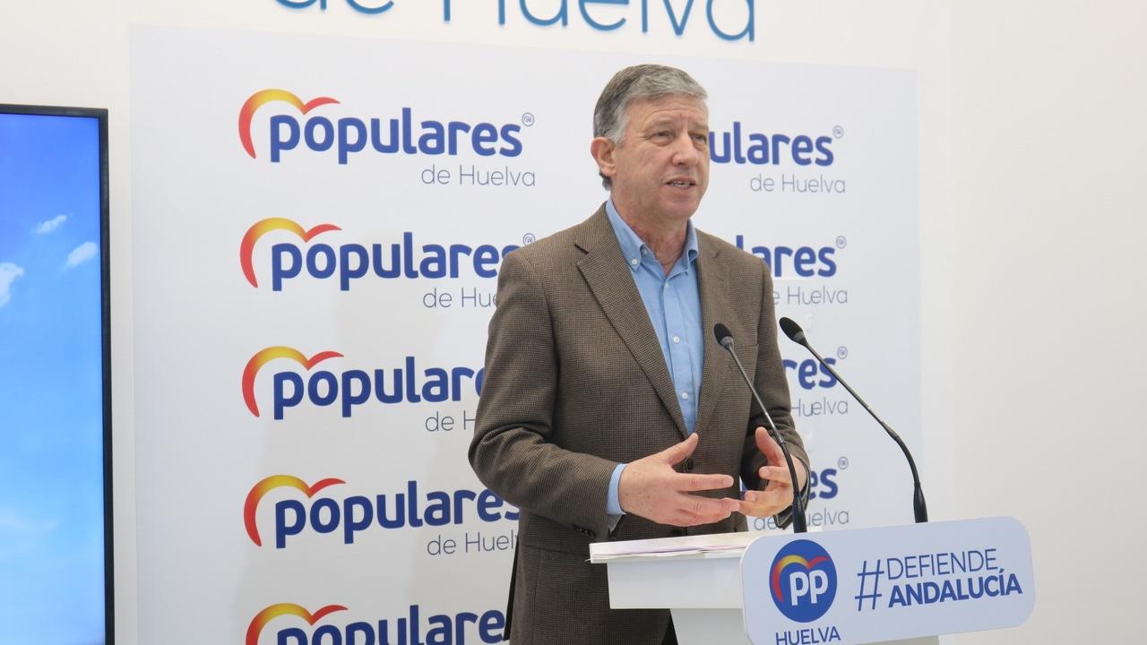 Carmelo Romero, diputado del PP por Huelva, en una rueda de prensa