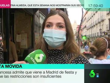 """El paradójico discurso de una joven francesa que defiende que Madrid incremente las restricciones: """"Me encanta la fiesta, por eso vengo"""""""
