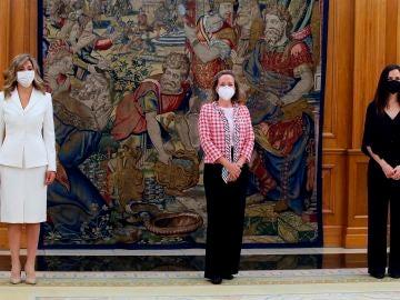Las vicepresidentas y ministras, en el Palacio de Zarzuela este miércoles
