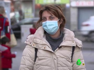 De ahorrar 1.000 euros al mes a pedir dinero a familiares para subsistir: así afrontan la pandemia en un barrio rico y una obrero