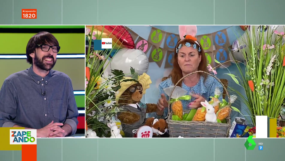 """Sarah Ferguson se pone orejas de conejo para enseñarnos a alimentar a los conejos de Pascua con ganchitos: """"No hay palabras para describirlo"""""""