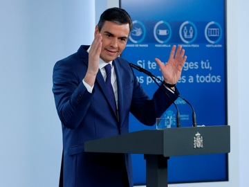 El presidente del Gobierno, Pedro Sánchez, comparece en el Palacio de la Moncloa