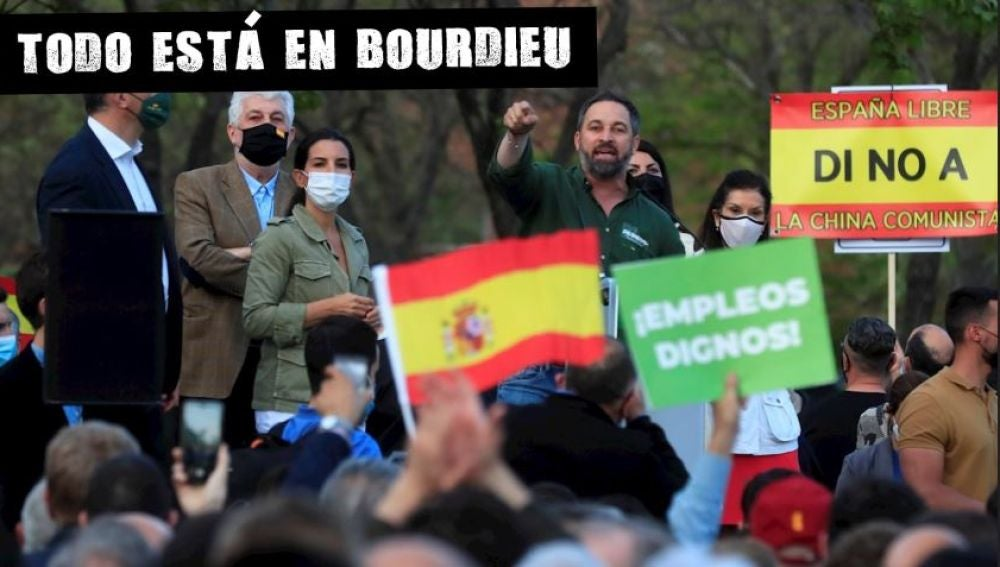 Santiago Abascal en el mitin en Vallecas