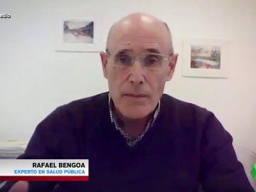"""Rafael Bengoa advierte sobre el """"exagerado alarmismo"""" con la vacuna de AstraZeneca: """"Su impacto en la pandemia es brutal"""""""