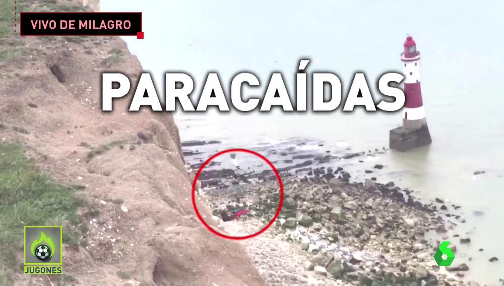Brutal accidente de un saltador base por el fallo en su paracaídas
