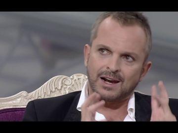"""La definición de Miguel Bosé sobre sí mismo y sus dos 'yo' que alucina a Jordi Évole: """"Bosé es un demente"""""""