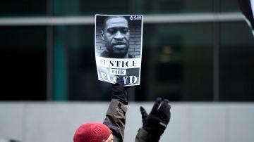 Manifestación reclamando justicia por George Floyd