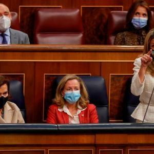 Carmen Calvo, Nadia Calviño y Yolanda Díaz en el Congreso de los Diputados