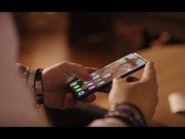 El sonido de llamada del móvil del padre de Nadia que deja sorprendido a Jordi Évole