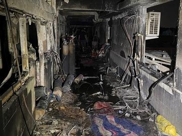 Imagen del interior del hospital de Bagdad donde han fallecido 60 personas tras una explosión