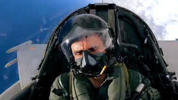 La espectacular secuencia de Pedro de la Rosa pilotando un caza del ejército del aire