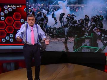 """El Intermedio (06-05-21) La reflexión de Wyoming sobre la brutalidad estatal en Colombia: """"Si esto hubiera ocurrido en Venezuela coparía las portadas"""""""