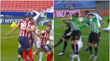 Felipe y Miranda tocan el balón con las manos en el área ante el Real Madrid