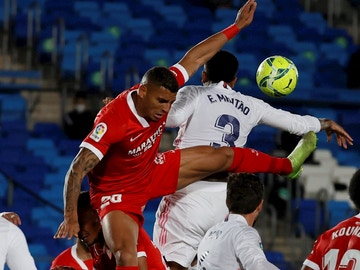 Diego Carlos salta con Militao