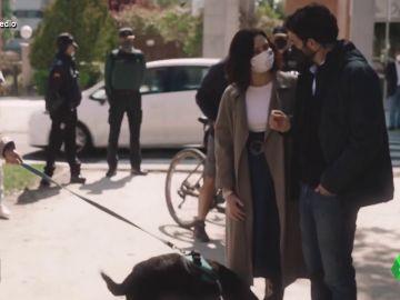 """Vídeo manipulado - Isabel Díaz Ayuso 'confunde' a un perro con un gato: """"Le llamaremos Miau"""""""