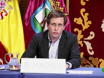 """El 'hit' del alcalde José Luis Martínez-Almeida: así es su versión del """"No te vayas mamá"""" de 'Marco'"""