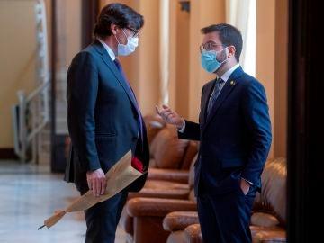 Diálogo entre Salvador Illa y Pere Aragonés.
